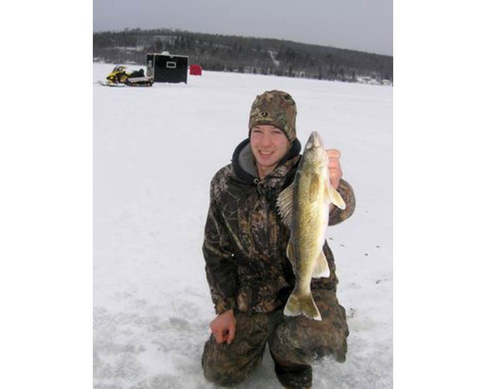 Photo gallery from eyes guy guide service on lake gogebic for Idaho ice fishing report